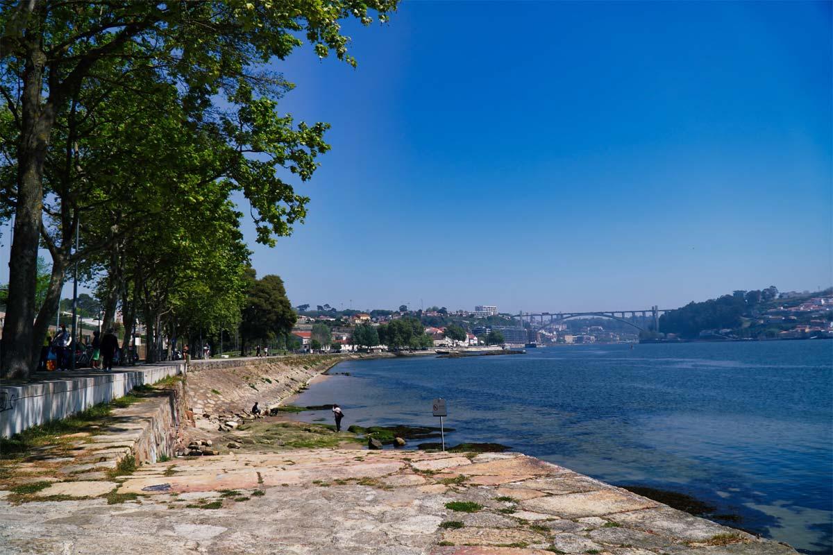 Nordportugal Porto in der Ferne