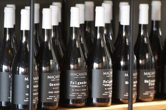 Weinflaschen von Mancanita