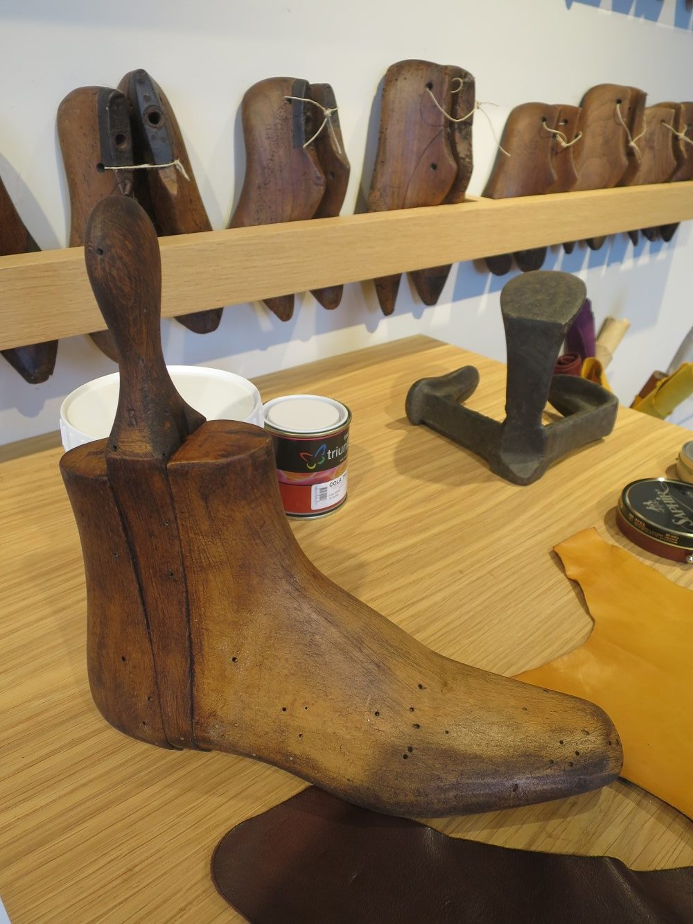 Schuh-Produktion im Fashion & Fabric Museum