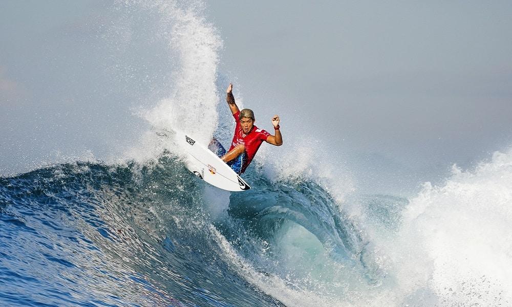Keramas: japonês é campeão de uma etapa de surfe pela 1ª vez