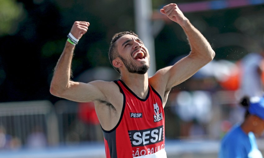 Adrian Vieira Atletismo Salto em Distância 110 m com barreiras sub-20