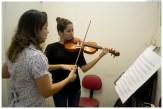 Aula de violino no Centro de Educação Musical de Olinda (CEMO). Foto: Jan Ribeiro/Pref.Olinda