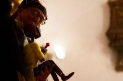 Mr. Bruno é bonequeiro e violinista, e seu espetáculo com o Duo Milewski é uma viagem ao redor do mundo com muita música e brincadeiras. Foto: Tom Cabral/MIMO divulgação