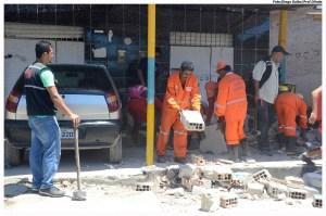 Muros construídos de forma irregular, atrapalhavam a passagem das pessoas. Foto: Diego Galba/Pref.Olinda