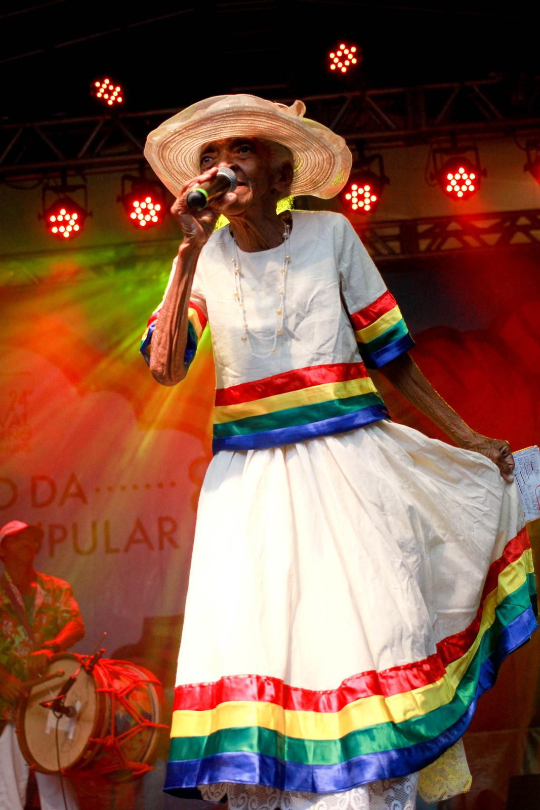 Dona Glorinha do Coco. Foto: Pri Buhr/Secult-PE