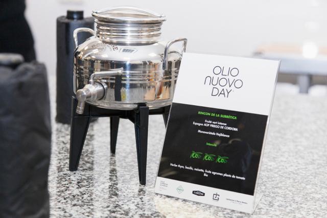 Dégustation des huiles d'olive nouvelles | Jus d'Olive
