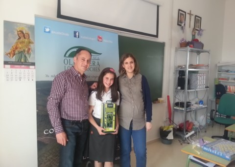 Visita y Entrega a la mejor redacción Olivarera Los Pedroches Olipe Olivar de Sierra Aceite Ecologico