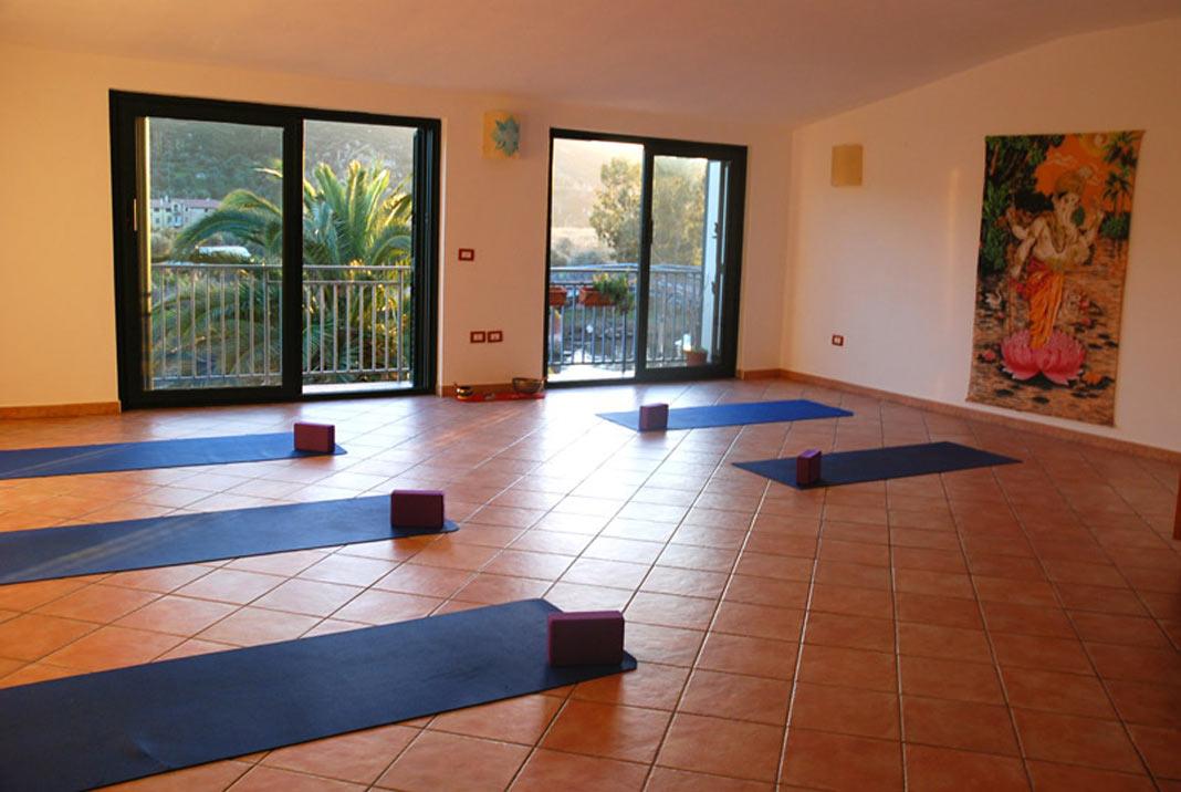 holistic miva yoga space