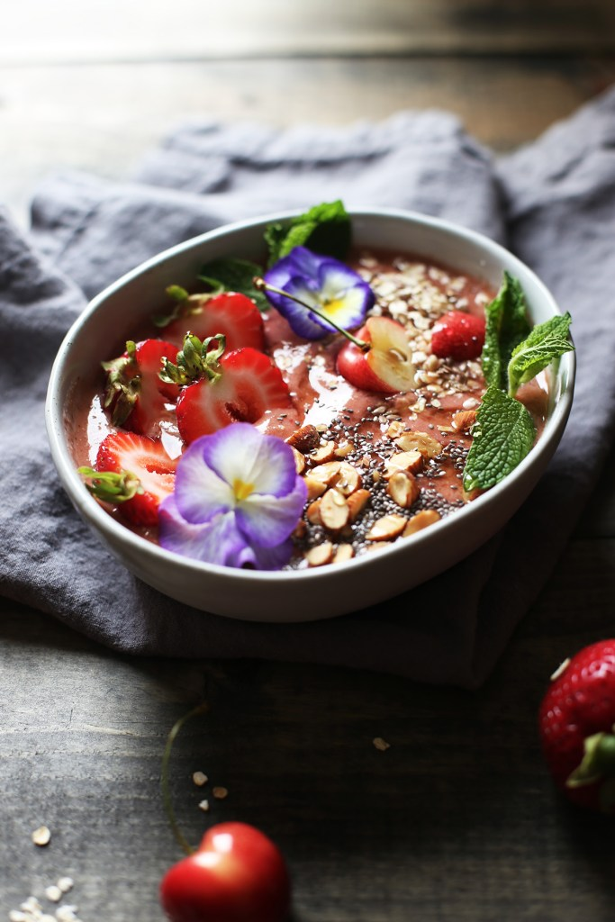 Strawberry Mint Smoothy Bowls