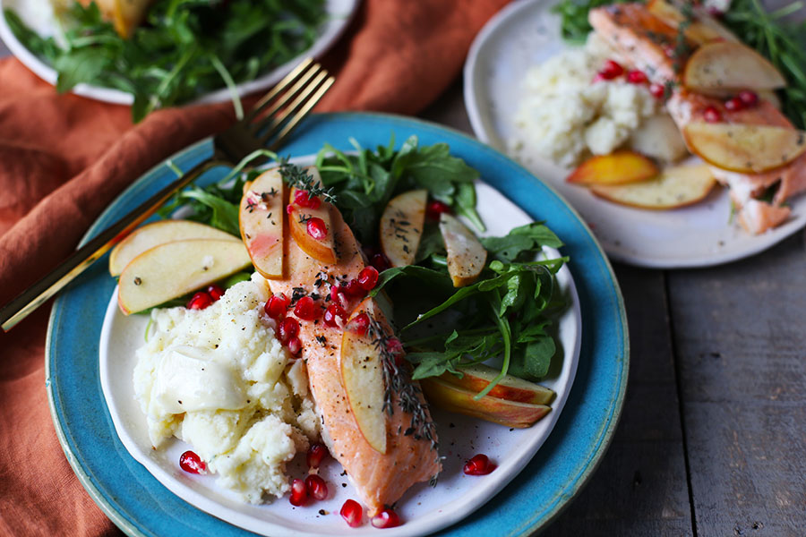 Baked Salmon with Apple and Thyme