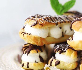 Mint Chocolate Chip Eclair