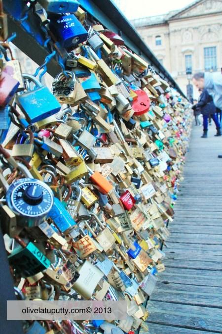 paris kota romantis