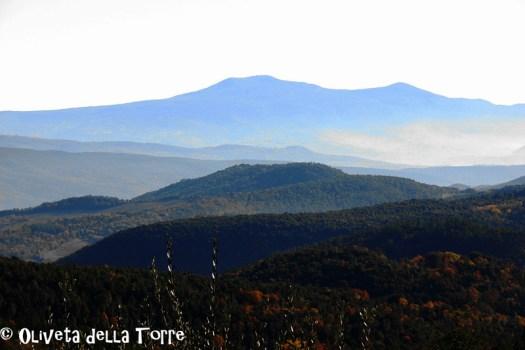 Murlo e la Val di Merse con vista sul Monte Amiata