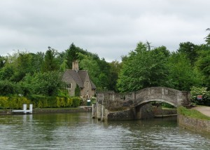 Nearby Attractions - Iffley Lock and River Thames