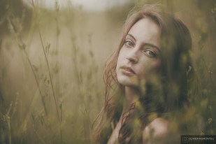 portrait emotion alicia nature 2015 07 32182 1200px