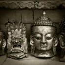 head statues