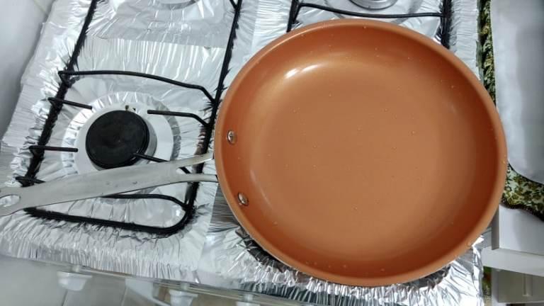 Poêle à Frire Anti-Adhésive en Cuivre, Céramique et Titane photo review