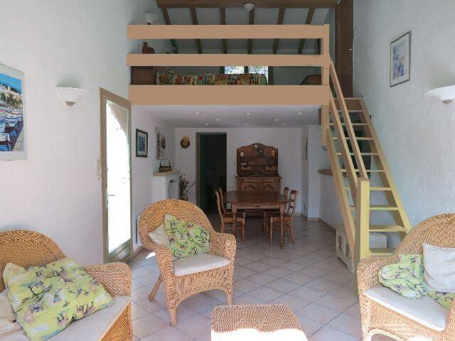 51-location-villa-corse-sud-sejour-mezzanine