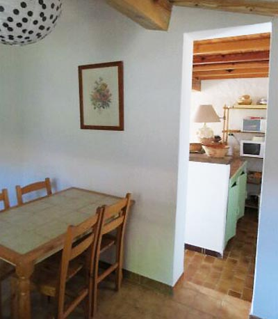 60-location-villa-corse-sud-vuecuisine-depuispieceattenante