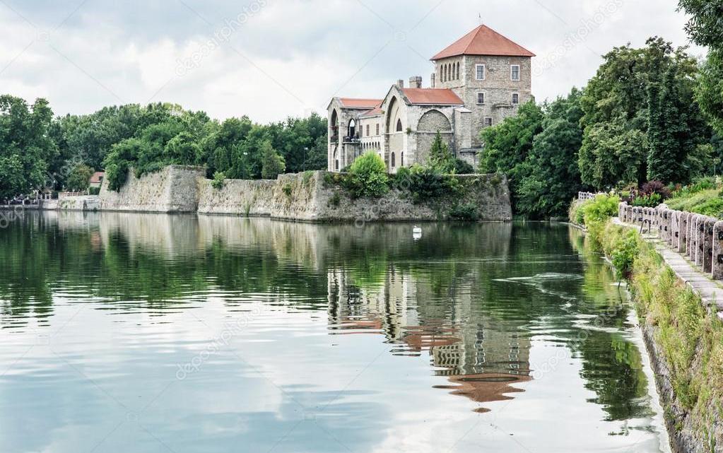 Summer academy 19-29 august, Tata Lake, Hungary
