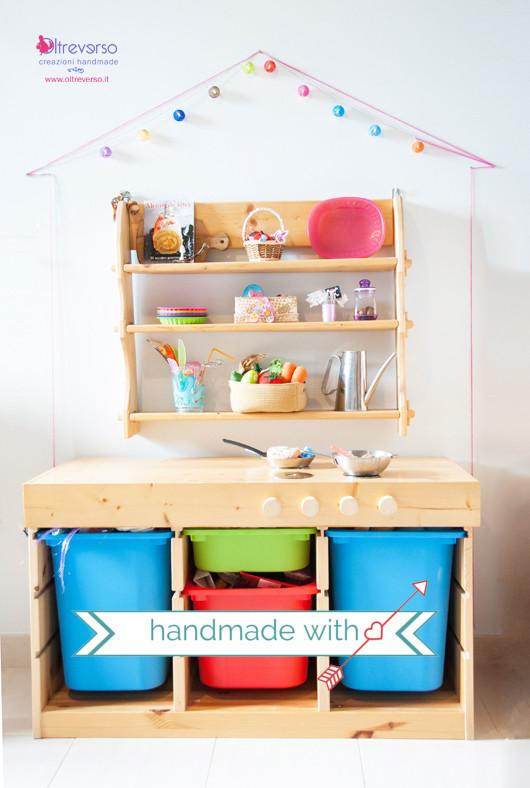 Una Cucina In Legno Fai Da Te Per I Bambini In Una Casa Di