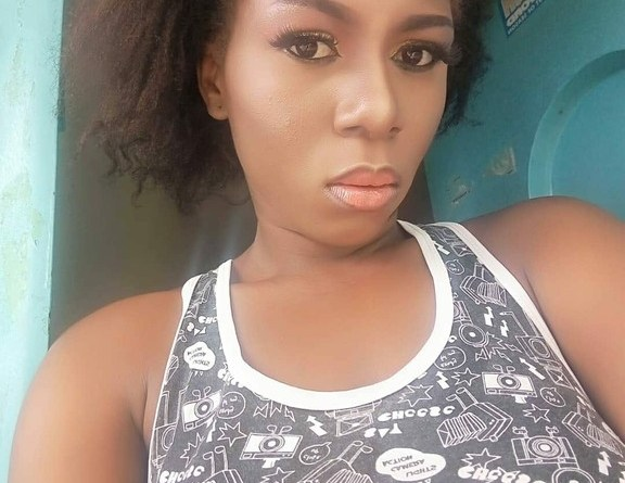 See The Man Who Offers This Lady N100,000 For Female Panties (pics & chats)