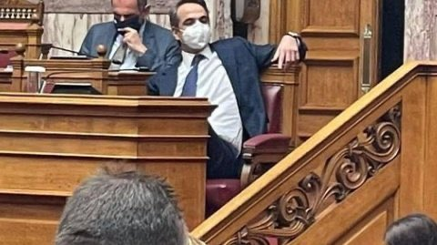 Πανικος στο Μαξιμου μετά την ομιλία Τσιπρα – Έτρεχε μεσα στη νύχτα ο Οικονομου να κανει δήλωση