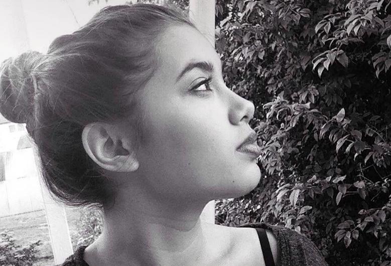 Ετσι σκηνοθέτησε ο 32χρονος την δολοφονία της 20χρονης Καρολαιν – Σημαντική φωτογραφια απο το σαλόνι του τρόμου