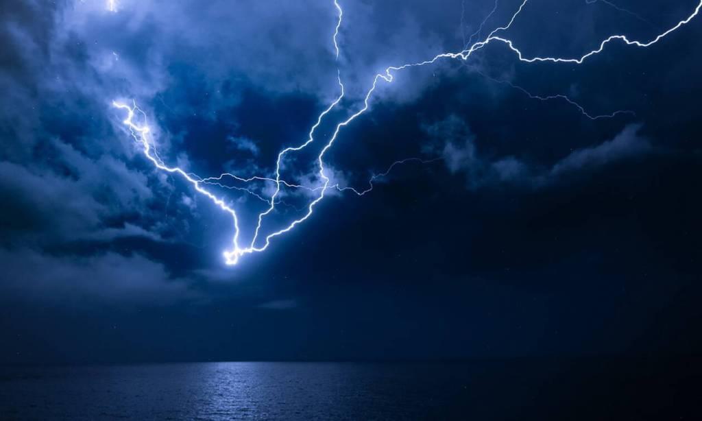 Έκτακτο δελτίο καιρού | Iσχυρές βροχές, καταιγίδες και χαλαζοπτώσεις