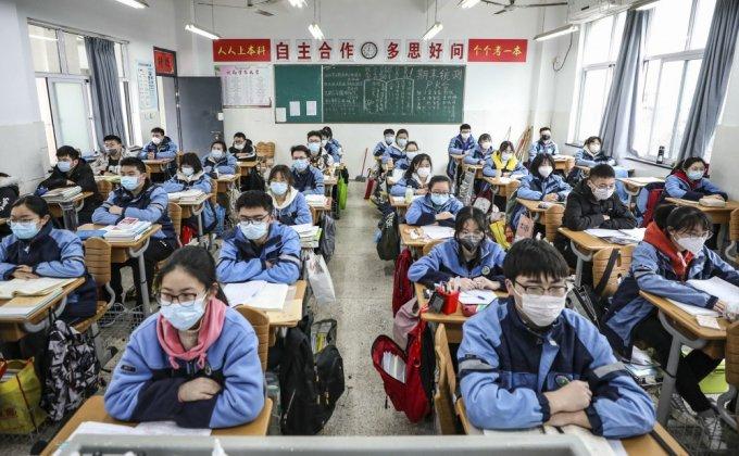 COVID-19 | Να ανοίξουν ή να μην ανοίξουν τα σχολεία;