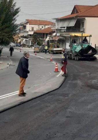 Τεχνικές παρεμβάσεις αποκατάστασης οδοστρώματος στο Αιγίνιο από την Π.E. Πιερίας