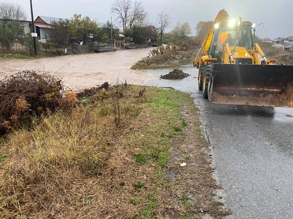 Π.Ε. Πιερίας | Σε επιχειρησιακή ετοιμότητα για την αντιμετώπιση εκτάκτων καταστάσεων ενόψει της χειμερινής περιόδου που ήδη άρχισε μετά τις χθεσινές πλημμύρες που έπληξαν την περιοχή