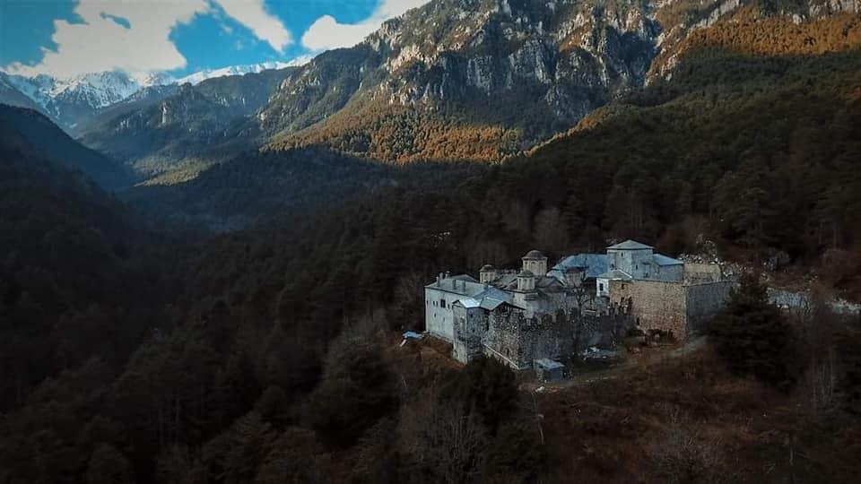 Του Αγίου Πνεύματος πανηγυρίζει η Παλαιά Ιερά Μονή Αγίου Διονυσίου του εν Ολύμπω