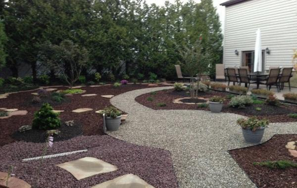 Specialty Edge Yard Design