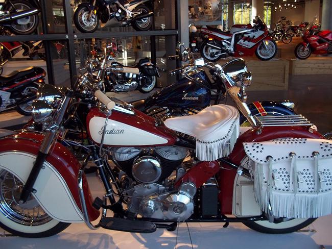 barber-motorcycle-mus-920-10
