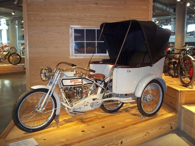 barber-motorcycle-mus-920-18