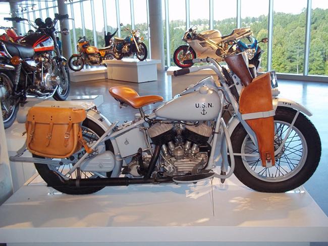 barber-motorcycle-mus-920-24