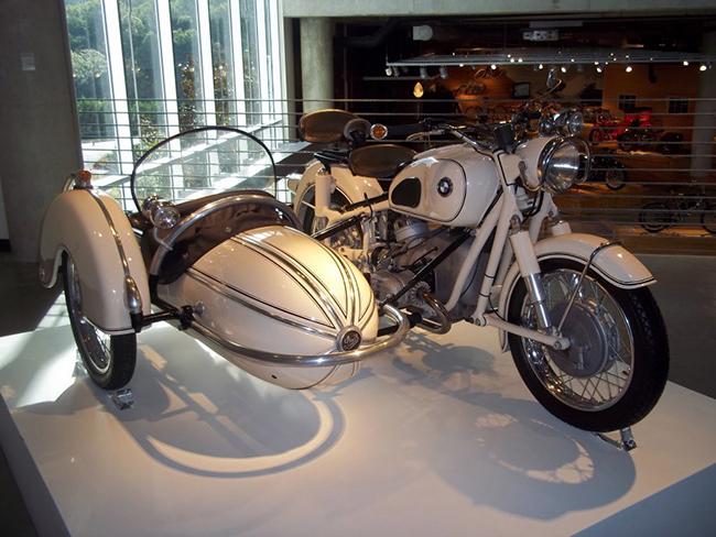 barber-motorcycle-mus-920-26