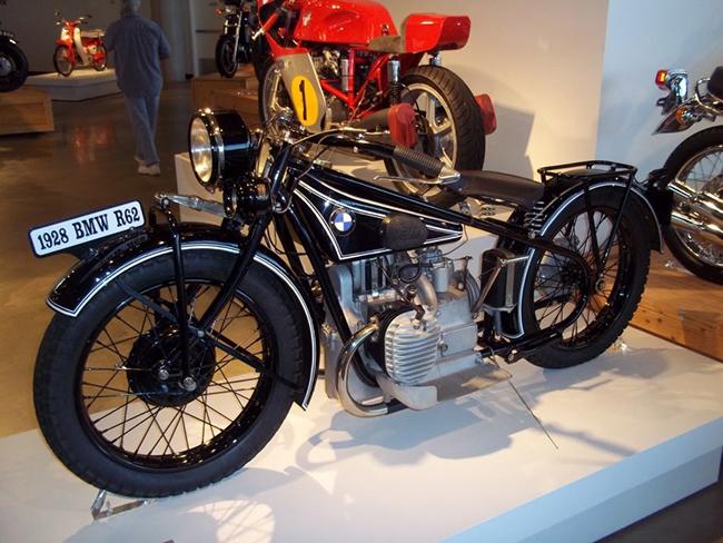 barber-motorcycle-mus-920-28