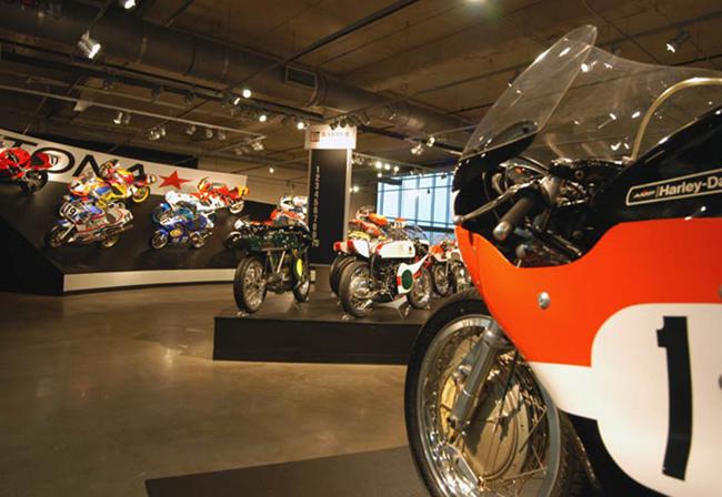 barber-motorcycle-mus-920-78