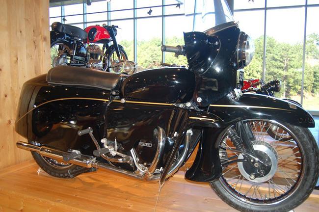 barber-motorcycle-mus-920-83