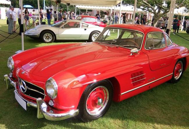 "Mercedes 300 SL ""Gull-wing"""
