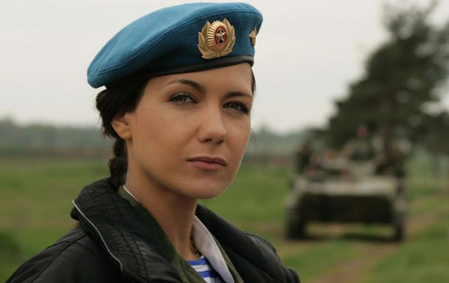 mulheres de uniforme