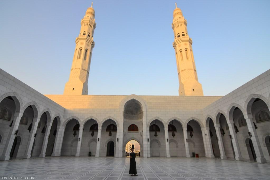 Muscat's Ten Most Beautiful Mosques - OmanTripper
