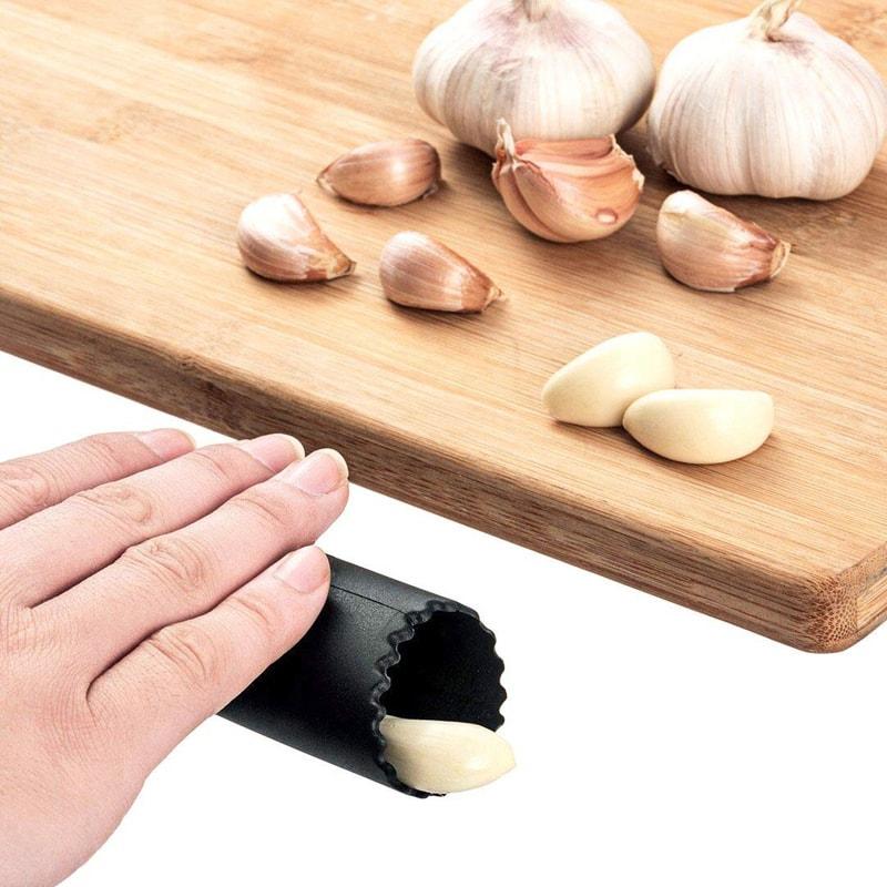 éplucheur à ail design pour décoration de cuisine