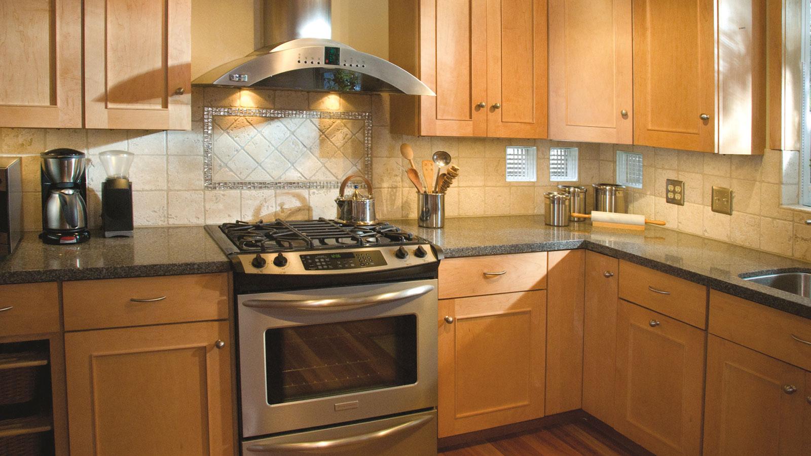 light maple kitchen cabinets delta faucet parts diagram best granite color for nagpurentrepreneurs