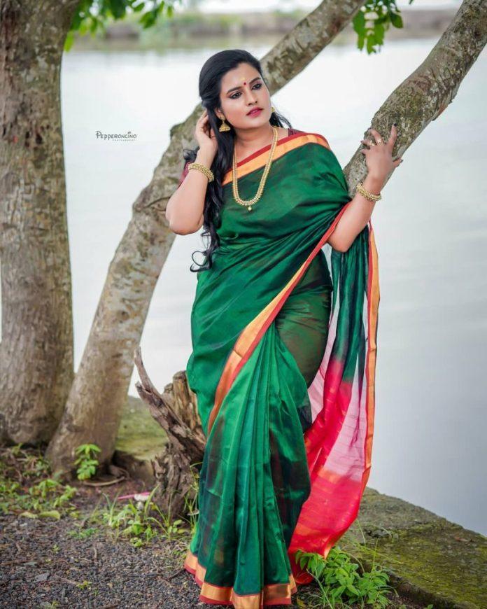 Roshna Ann Roy 16