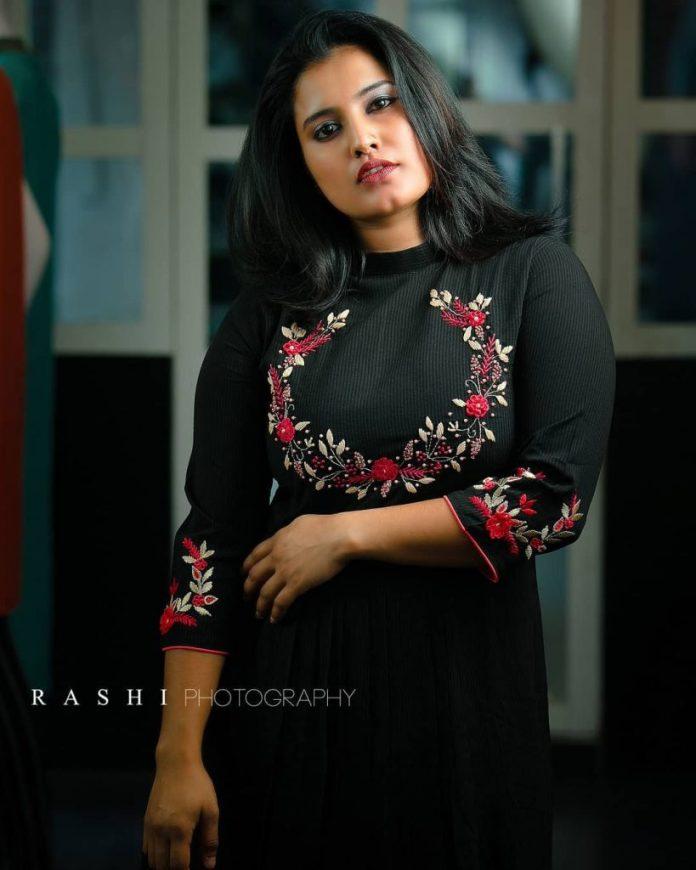Roshna Ann Roy 8