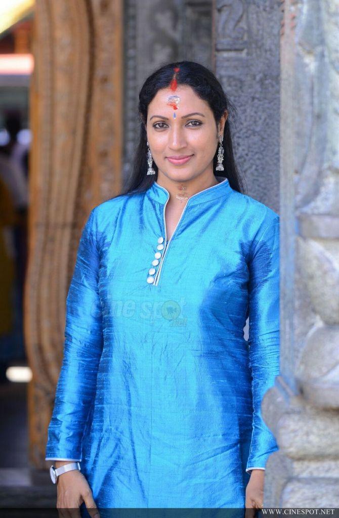 Manju Satheesh at Nattuchaneram Engum Koorakooririttu Pooja 6