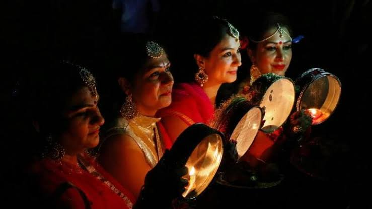 How to make karwa chauth special for wife without expenditure